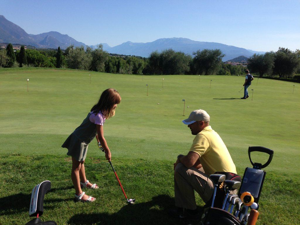 Stefan Dederichs und Tochter beim Golfen