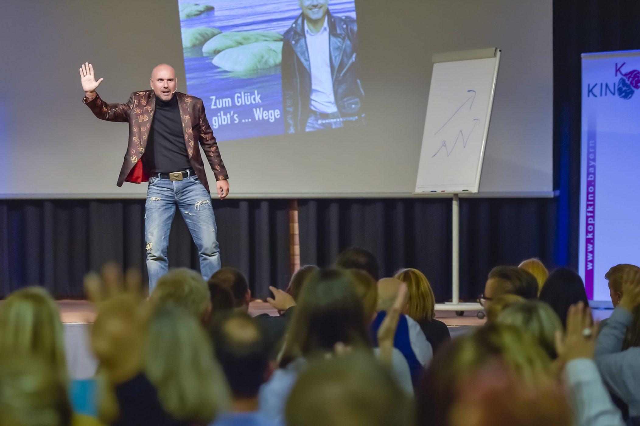 Keynote Speaker Vortrag Glücksmacher Verkaufsschulung Vertriebstrainer